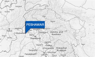 پشاور: پاک فضائیہ کے تربیتی طیارے کی کریش لینڈنگ، پائلٹ محفوظ