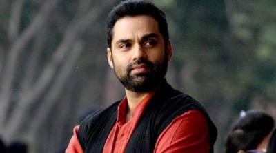 اداکار ابھے دیول نے بالی ووڈ کے اداکاروں کو گوری رنگت کی کریمز کے استعمال پر سخت تنقید کا نشانہ بنا ڈالا