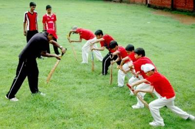 بہترین کھلاڑی تیار کرکے ہم دنیا میں پاکستان کا نام روشن کر سکتے ہیں: ظہیر عباس