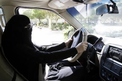 خواتین کو ڈرائیونگ کی اجازت دینے کی باتیں بے بنیاد ہیں