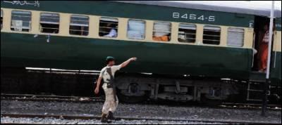 پاکستان کے چاروں صوبوں کو ملانے والی ٹرین جعفر ایکسپریس چل پڑی