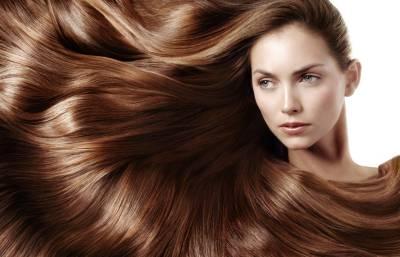 اگر آپ شیمپو میں یہ ایک چیز ڈال کر سر دھوئیں گے تو آپ کے بال اتنے لمبے ہوجائیں گے