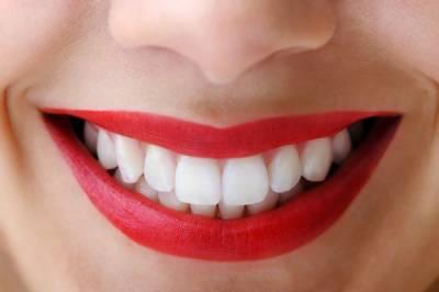 دانت موتی کی طرح سفید اورچمکدار بنانے کے آسان اور گھریلو طریقے