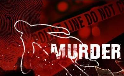 نوشہرہ : نوجوان نے فائرنگ کر کے باپ، بھائی اور 2 بچوں کو قتل کر دیا