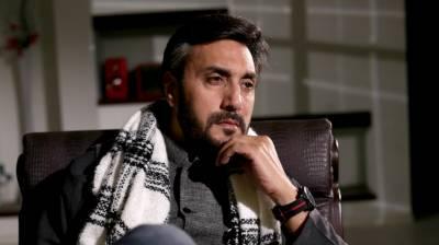 عدنان صدیقی کی بانسری بجاتے ہوئے ویڈیو سوشل میڈیا پر وائرل