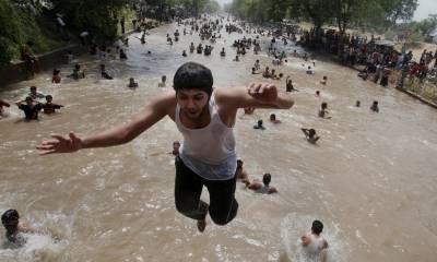 لاہور میں گرمی کی شدت میں اضافہ، درجہ حرارت 43ڈگری سینٹی گریڈ ریکارڈ کیا گیا
