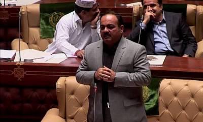 سندھ اسمبلی اجلاس، اپوزیشن لیڈر نے سکھر شہر کا گندا پانی ایوان میں لے آئے