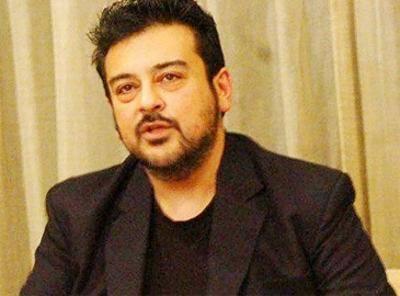 گلوکار عدنان سمیع کو ایک مرتبہ پھر ٹوئٹر پر صارفین کی تنقید کا سامنا کرنا پڑ گیا