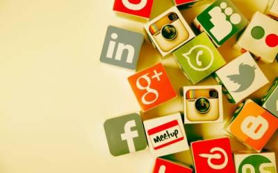 سوشل میڈیا اور موبائل فون پر میسج انسان کی ذہنی کیفیت اور موڈ کے عکاس