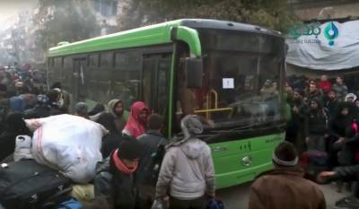 3000 بے بس شامی شہریوں کو جنگ زدہ علاقوں سے نکال لیا گیا