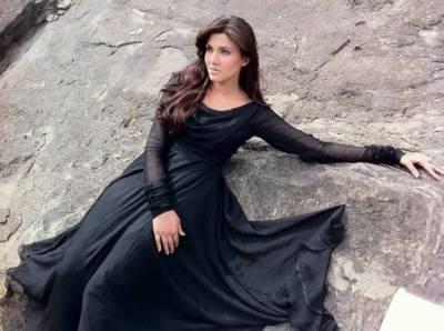 بولڈ شوٹ بھی پاکستانی اداکارہ کو کام نہ دلا سکا