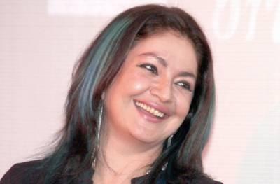 پوجا بھٹ علی عظمت کا جنم دن منانے لاہور پہنچ گئیں