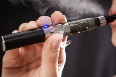ای سگریٹ متعدد جان لیوا بیماریوں کا سبب بن سکتا ہے ،متحدہ عرب امارات ڈاکٹر