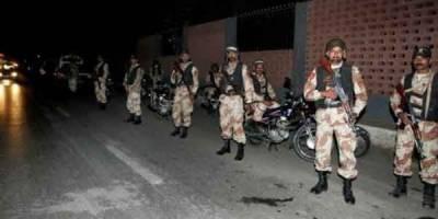 دہشتگردوں کیخلاف رینجرز کا آُپریشن جاری، علاقہ فائرنگ اور دھماکوں سے گونج اٹھا
