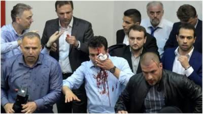 مقدونیہ میں مظاہرین کا پارلیمنٹ پر حملہ، 'زوران زئیف' زخمی
