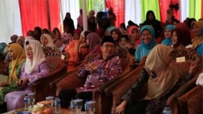 انڈونیشیا: کم عمری کی شادیوں کے خلاف خواتین علما کا فتویٰ