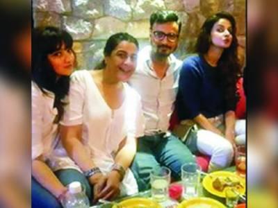 """اداکارہ صبا قمر بھارتی فلم """"ہندی میڈیم"""" کی پروموش کے لئے ممبئی پہنچ گئی"""