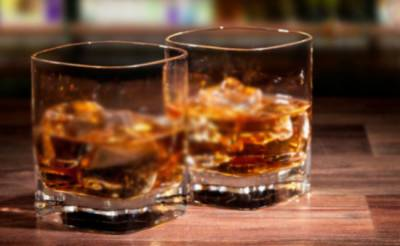 جھنگ : زہریلی شراب پینے سے 3دوست جاں بحق