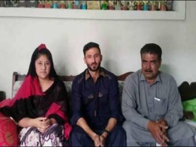 جنید خان کی مشعال خان کے گھر والوں سے تعزیت