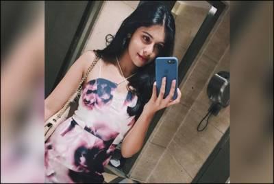 بالی ووڈ کے معروف اداکار کی بیٹی کی تصاویر نے انٹری سے پہلے ہی خطرے کی گھنٹیاں بجا دی