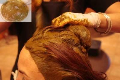 مہندی سے بال مضبوط، چمکدار اور گھنے بنتے ہیں اور اس سےبالوں میں خوبصورتی بحال ہوتی ہے