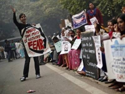 بھارتی سپریم کورٹ نے دہلی گینگ ریپ کیس میں ملزموں کو موت کی سزا سنا دی