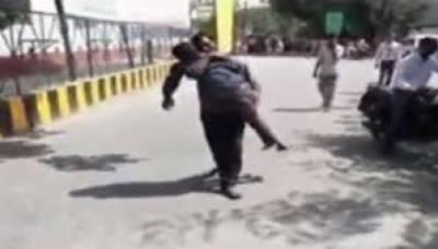 بھارت بیٹے کی لاش لے جانے کیلئے ایمبولینس نہیں دی گئی