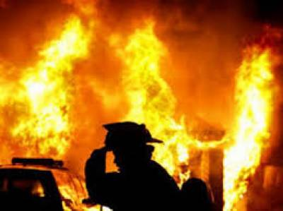 غیر قانونی آئل اسٹیشن میں اچانک آگ لگ گئی،ایک مزدور زخمی