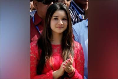 معروف بھارتی کرکٹر کی بیٹی کی بالی ووڈ میں انٹری،تصاویر نے سب کے چھکے چھڑوادئیے