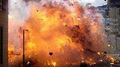 پشاور:گڑھی باغبان میں گورنمنٹ اسکول کے گیٹ پر دھما کا