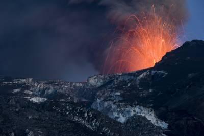 آتش فشاں پہاڑ کی گرمی سے بجلی بنانے کی کوشش