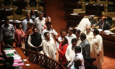 سندھ اسمبلی اجلاس کی اندرونی کہانی، گو زرداری گو کے نعرے لگ گئے