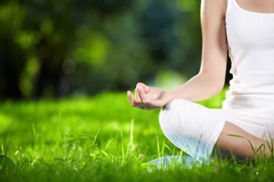 یوگا ڈپریشن کم کرنے میں مددگار ثابت ہوتا ہے