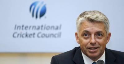 دنیا مصباح اوریونس کی کارکردگی کی معترف ہے،ڈیوڈ رچرڈسن