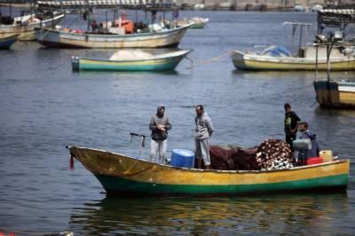 اسرائیلی فوج نے فلسطینیوں کی کشتی پر حملہ کر دیا
