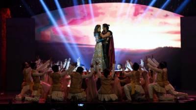 علی ظفر نے اپنا نیا گانا 'عشق' ریلیز کردیا، جسے گانے کے ساتھ تحریر بھی انہوں نے خود کیا۔
