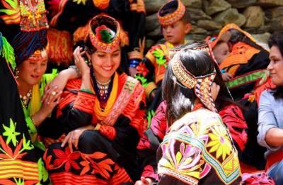 چترال :وادی کیلاش میں مشہورتہوار چلم جوشی اختتام پذیر