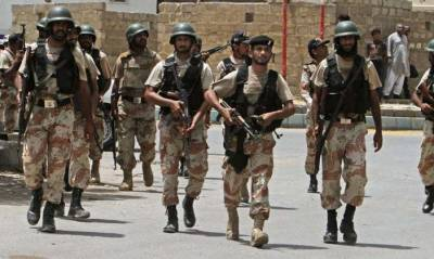 رینجرز سندھ کی کراچی مختلف علاقوں میں کارروائی، 10 ملزمان گرفتار