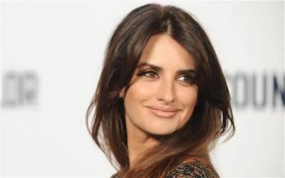 ہالی ووڈ اداکارہ پینلپے کروز ٹی وی سیریز میں سنہرے بالوں میں نظر آئیںگی