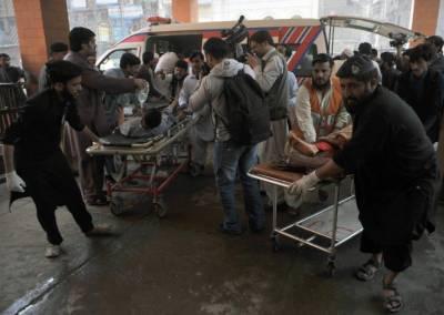 شبقدر میں یکے بعد دیگرے 5 دھماکے، 14 افراد زخمی