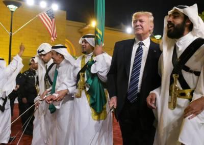 دورہ سعودی عرب ،ڈونلڈ ٹرمپ عشائیے کے دوران موسیقی کے سروں پر جھومتے رہے