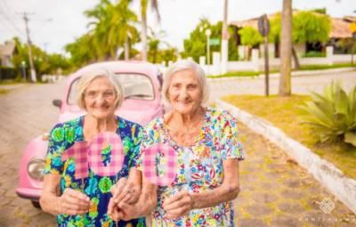 برازیل میں اپنی عمر کی سینچری مکمل کرنے سے پہلے دو جڑواں بہنوں کا دلچسپ فوٹو شوٹ کیا گیا