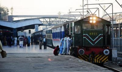 ریلوے کی زمینوں پر ماڈل کھوکھا بازار قائم کرنے کا پلان تیار کیاجائے ,خواجہ سعد رفیق