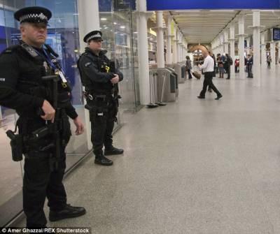 برطانیہ میں مزید حملوں کا خطرہ، اہم مقامات پر فوج تعینات کر دی گئی