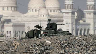 یمنی فوج نے تعز میں صدارتی محل کا گھیراو کرلیا