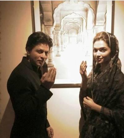 شاہ رخ اور دیپیکا کی مسلمانوں کو رمضان کی مبارک باد