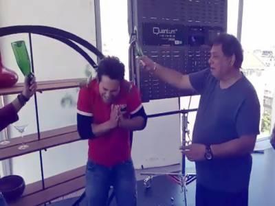 اداکار ورون دھون کے والد نے ان کے سر پر شیشے کی بوتل توڑ دی