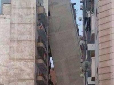 مصر میں بارہ منزلہ عمارت کے لڑکھنے کی تصاویر منظر عام پر آگئیں
