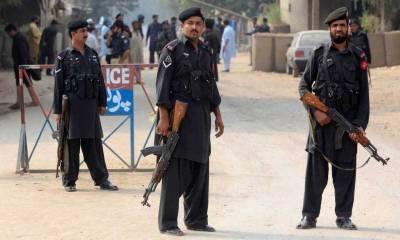 پشاور :سرچ آپریشن کے نام پرلوٹ مار کرنے والے جعلی سکیورٹی فورسز اہلکار ڈکیٹ گروہ گرفتار