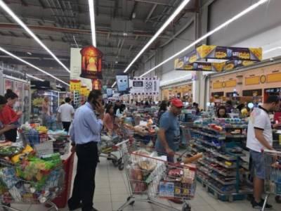 قطر میں شہریوں نے خوراک اور دیگر ضروری اشیاءجمع کرنا شروع کردیں